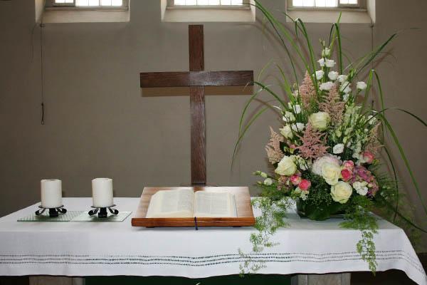 Kirchenschmuck zur Hochzeit
